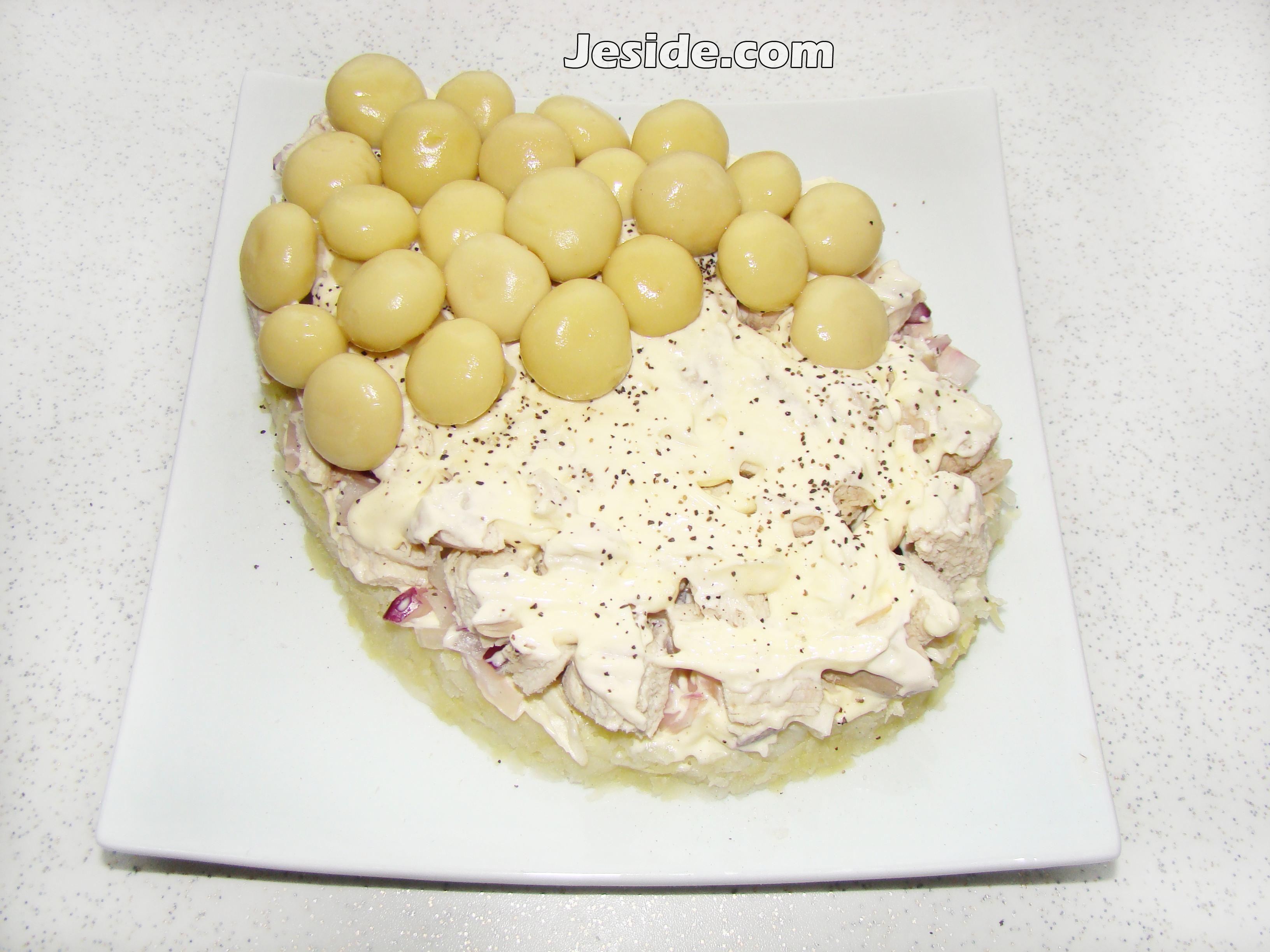 Салат по слоям с шампиньонами